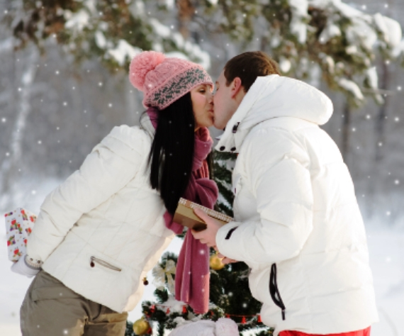 When one partner's holiday traditions clash with the other's, misunderstanding and tension between partners can result. Therapist's advice on how to keep your relationship merry during the holiday season.